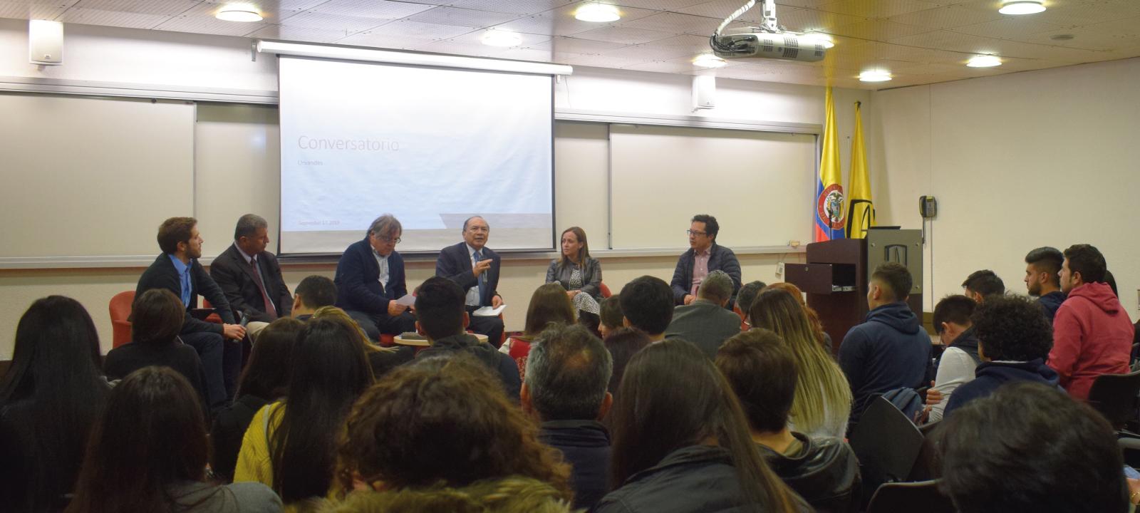 Foro: Fracking en Colombia, Panel: Entre la seguridad energética y el desarrollo