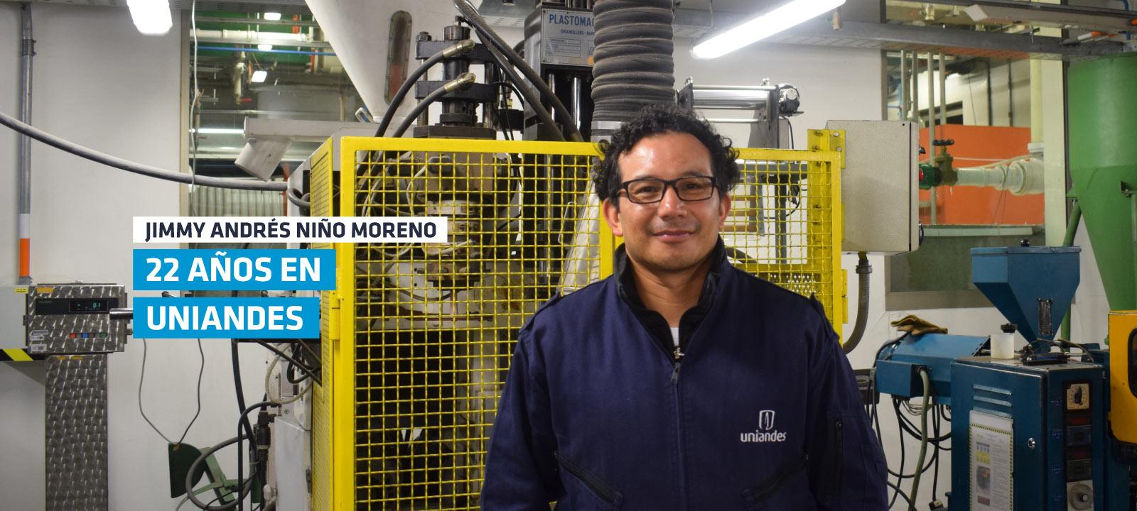 Jimmy Niño, técnico de caracterización y procesamiento de polímeros de Ingeniería Mecánica