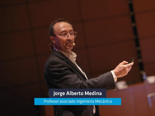 El profesor Jorge Medina hizo parte del Foro: Oportunidades derivadas de la sustentabilidad de los plásticos en Colombia