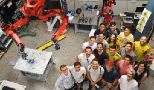 Un grupo de estudiantes de Ingeniería Mecánica viajó en compañía del profesor Carlos Francisco Rodriguez a Alemania para conocer diferentes universidades en un convenio con el DAAD